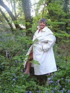 Granny naked & fingering in the woods