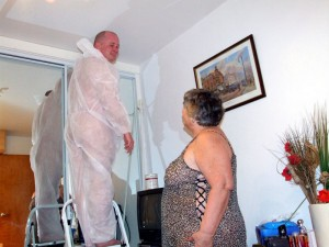 Granny facesitting her decorator!
