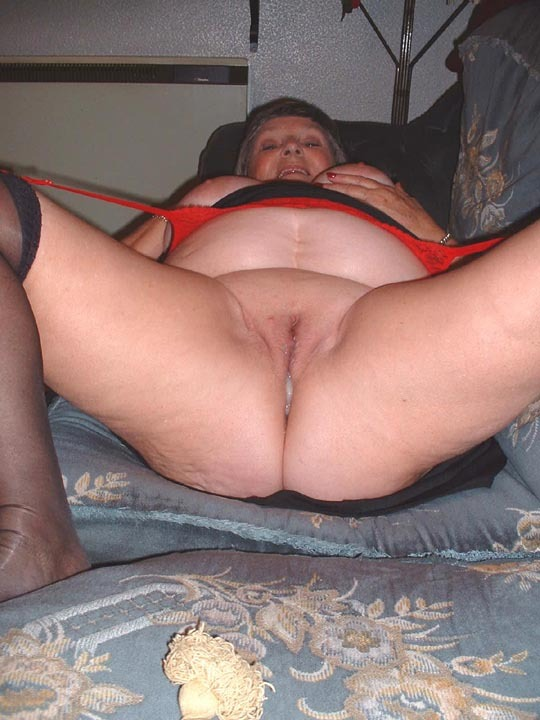 Amateur Bbw Wife First Bbc
