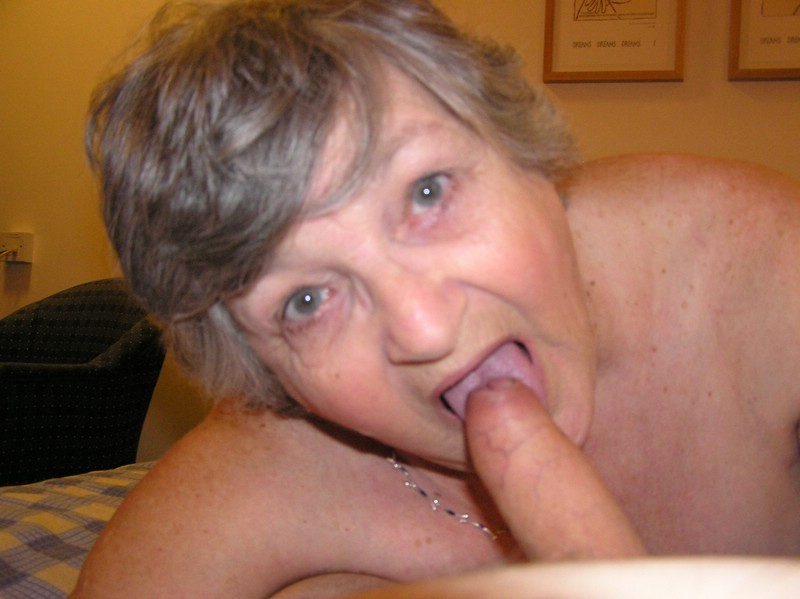 Hotel sex meet with a Grandma