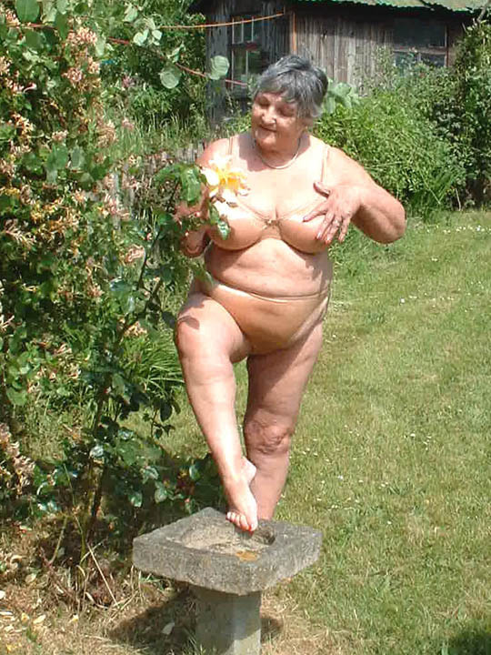 hot thick grandmas nude