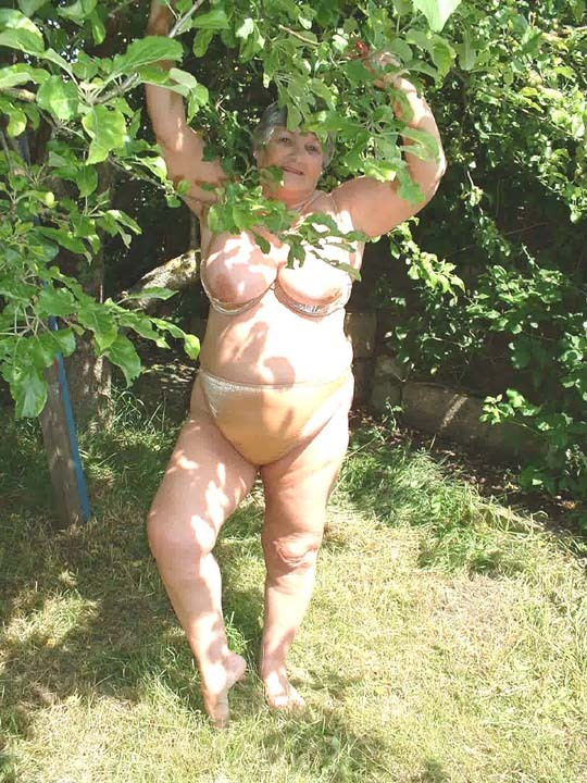 Amateur mature nude garden agree with