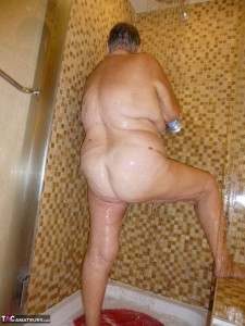 BBW granny takes a shower