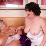 Two granny sluts make out